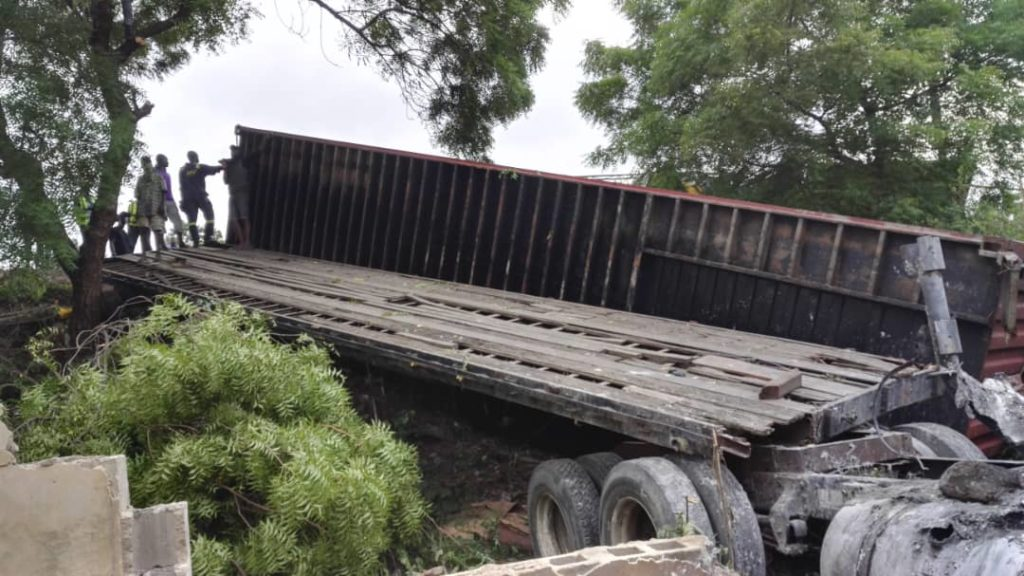 LASEMA Recovers,40feet Container Truck 2