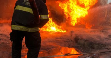 Breaking: NNPC Tanker Bursts Into Flames At Obalende 4