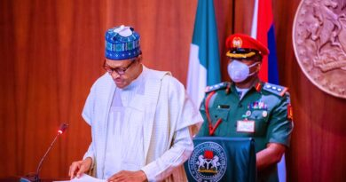 President Buhari Unveils 2021 Armed Forces Remembrance Day Emblem 5