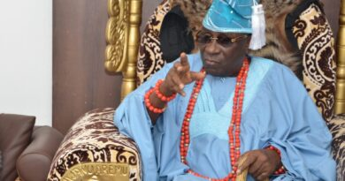 """Return 'Oba Of Lagos' Staff Of Office Or Face The Consequences"" – Akinshemoyin Ruling House Warns 4"