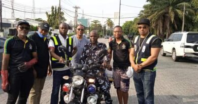 Police Community Relations Committee Gives Environmental Facelift To Victoria Island 5