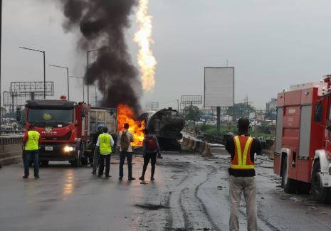 Breaking: Petrol Tanker explodes on Kara Bridge Along Lagos-Ibadan Expressway 1