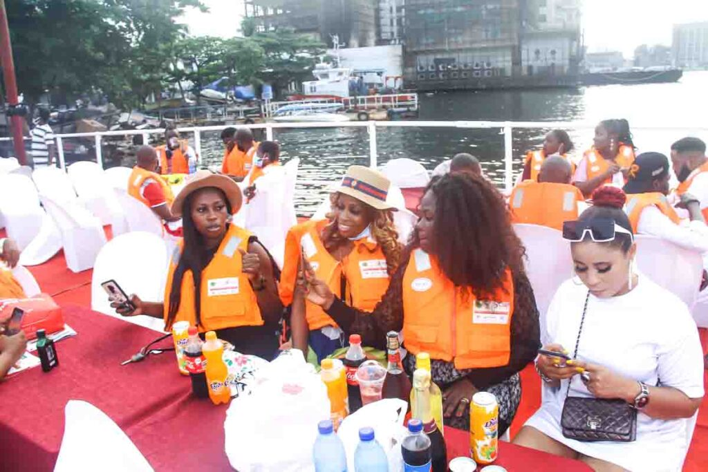 See Moments From Travelogue Valentine Boat Cruise 6