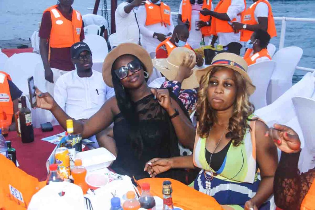 See Moments From Travelogue Valentine Boat Cruise 21