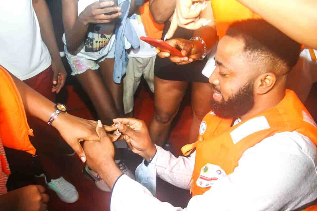 See Moments From Travelogue Valentine Boat Cruise 29