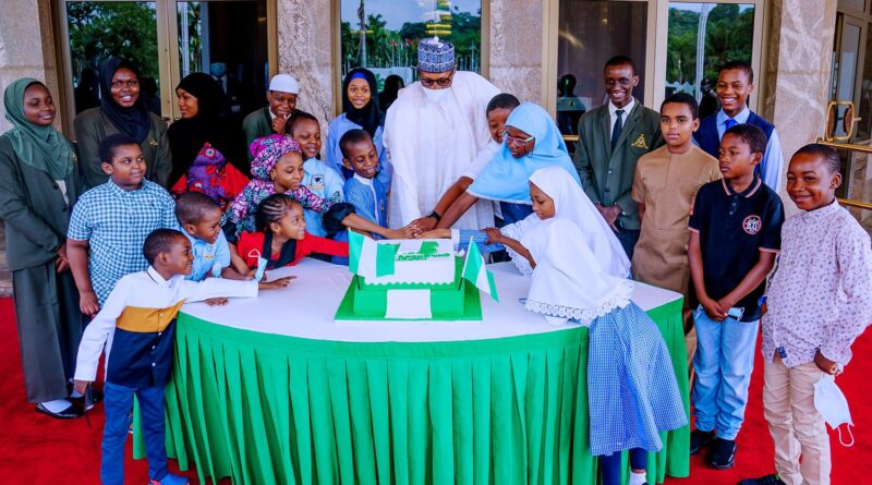 Children's Day: Buhari Celebrates With Visiting Children At State House 1